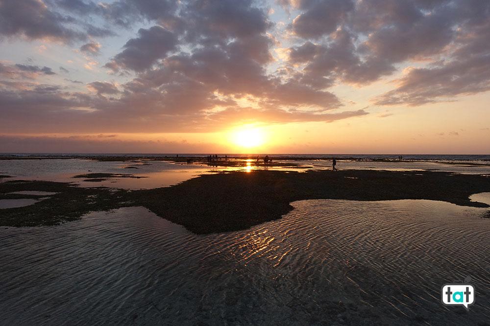 talk about travel gili trawagan spiaggia mare tramonto pescatori