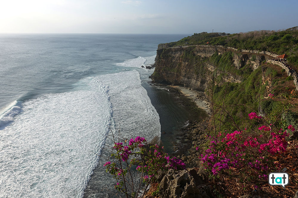 talk about travel indonesia bali tempio uluwatu