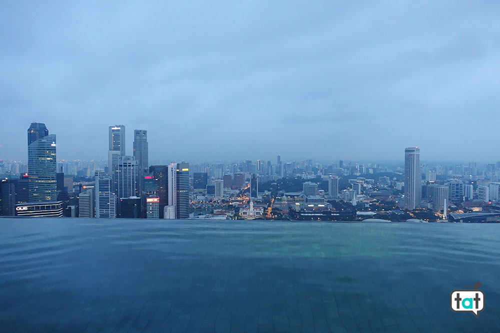 talk about travel singapore marina bay sands skyline piscina