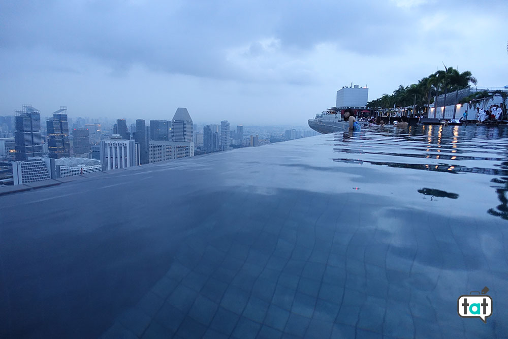 talk about travel singapore marina bay sands piscina