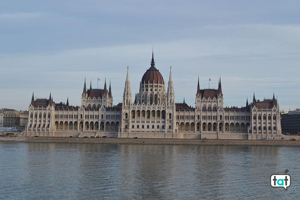 budapest parlamento giorno