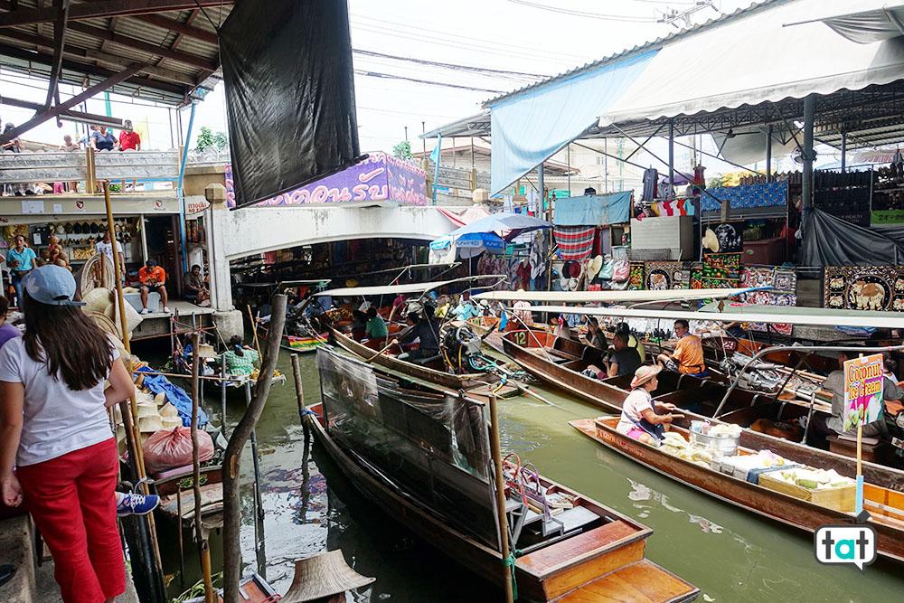 thailandia bangkok mercato galleggiante