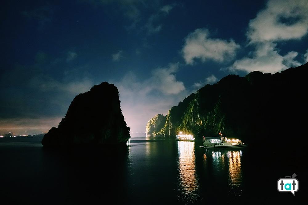 Bai tu long bay di notte