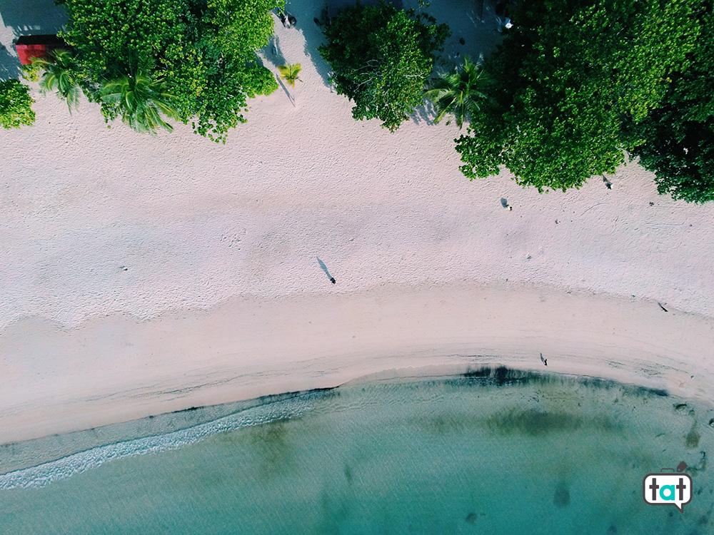 Spiaggia dall'alto a Koh Phangan